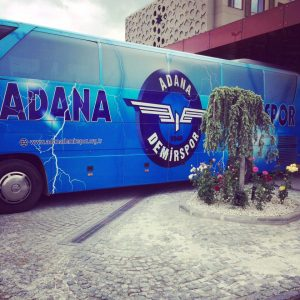 adanademirspor takım otobüsü
